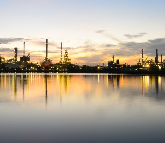 Panorama-of-Oil-refinery-at-tw-387
